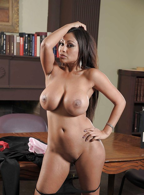 The Hot and sexy nude indian moms can
