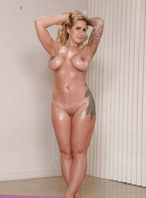 Oiled Big Tits and Busty Mom Porn Pics